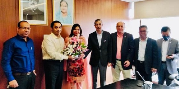 Bashundhara Group Managing Director Sayem Sobhan Anvir visits Dhaka Bank