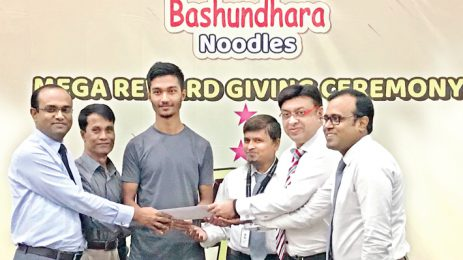 Bashundhara Noodles campaign winners receive prizes