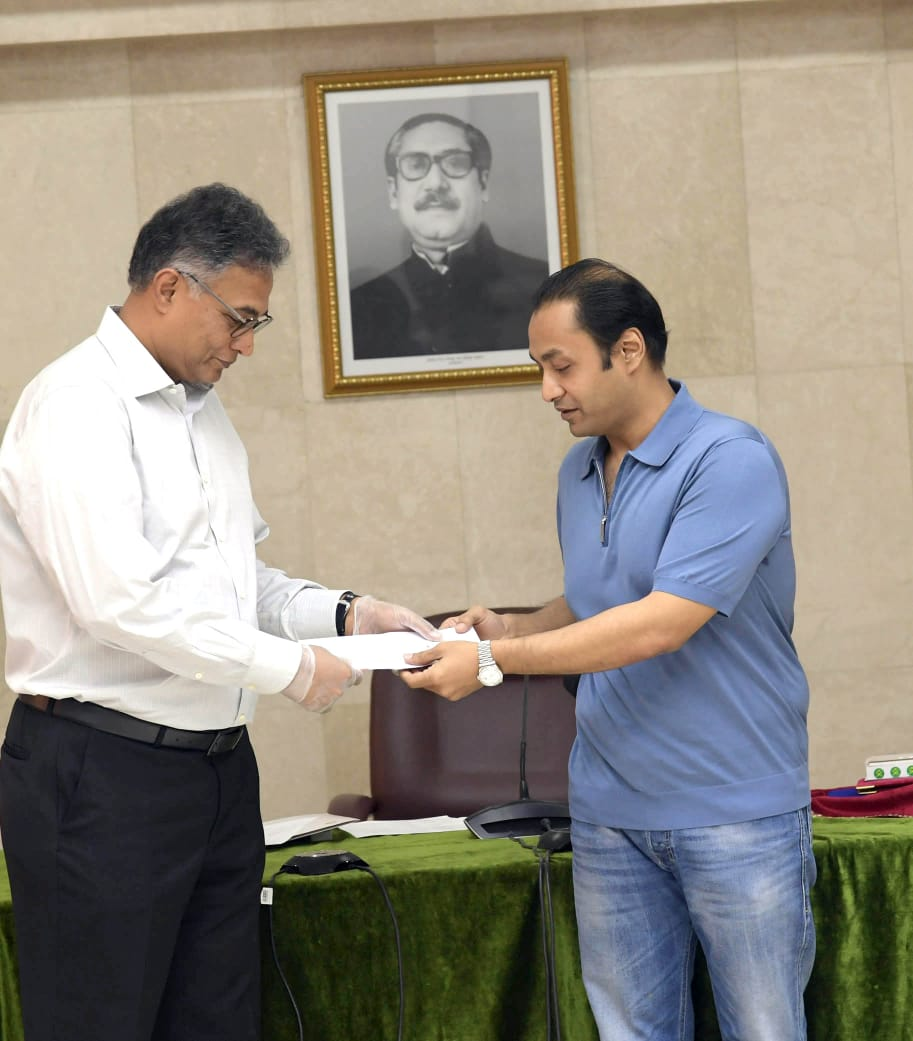 Honorable Managing Director of Bashundhara Group at PMO office for handing over the Cheque of TK 100 million